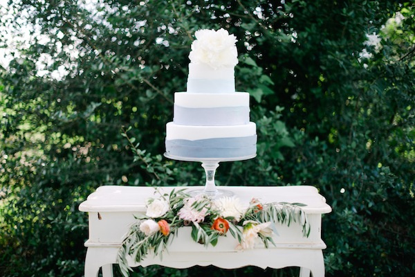 southern-wedding-blue-stripe-cake.jpg